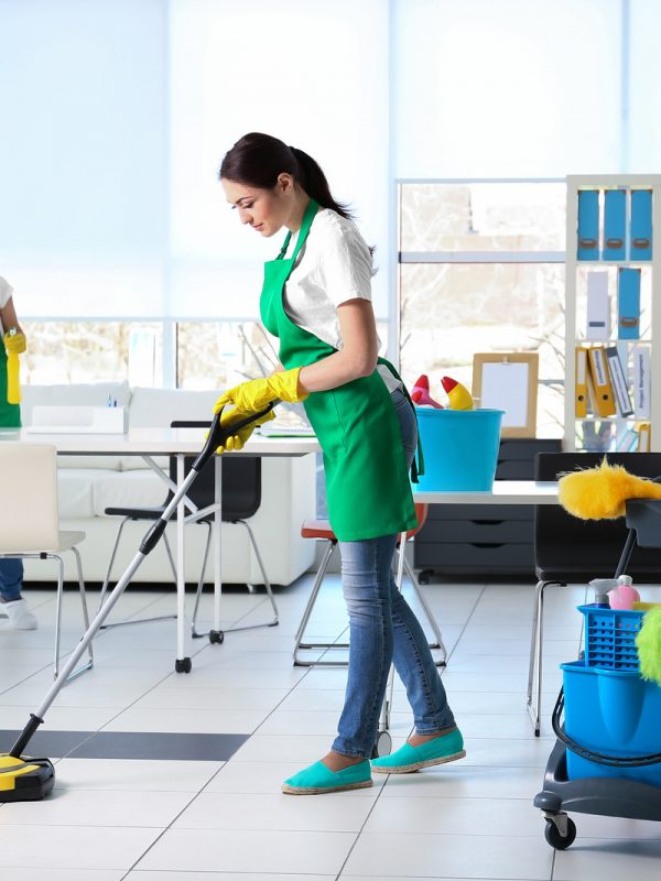 commercial-cleaners-cleaning-office-floors